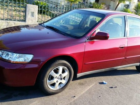 Well-maintained Honda Accord 2000 for sale