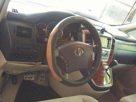 Toyota Alphard v 2002 model for sale