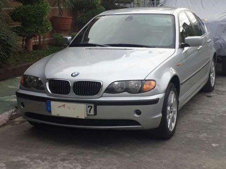 BMW 318i 2005 Well Maintained Silver For Sale