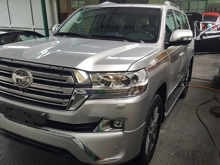 Silver 2019 Toyota Land Cruiser for sale in Las Pinas