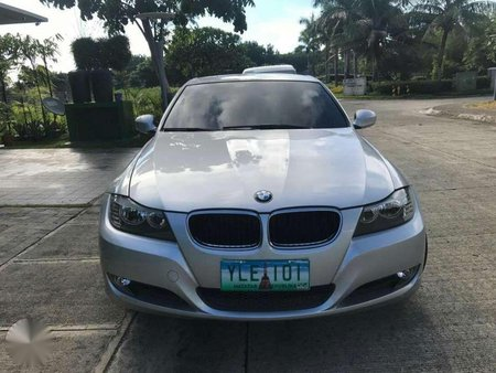 Bmw 318i 2013 AT Silver Sedan For Sale