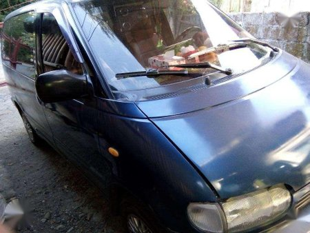 Nissan Serena Top of the Line For Sale