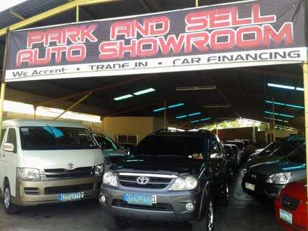 Park and Sell Auto Showroom