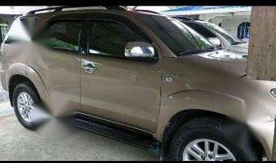 SELLING TOYOTA FORTUNER 2005 4x4