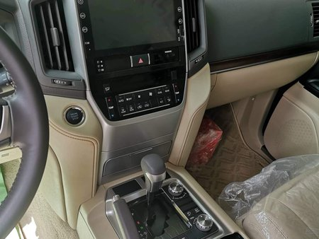 2019 Toyota Land Cruiser Bulletproof Levelb6 for sale in Pasig