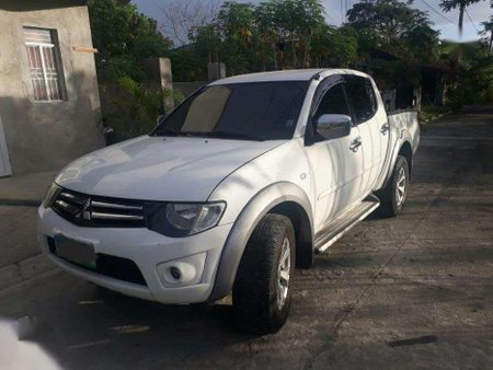 For sale Mitsubishi Strada 2010 model 4X4