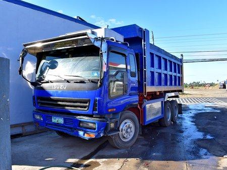 2nd Hand Blue 1999 Isuzu Giga Truck for sale