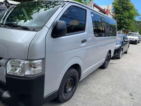 2018 TOYOTA Hiace 30 Commuter Manual Silver