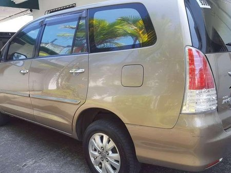 2010 Toyota Innova g variant matic FOR SALE