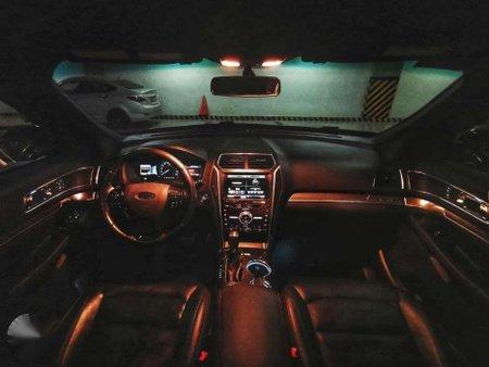 2016 Ford Explorer V6 4x4 Top of the line