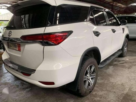 2018 Toyota Fortuner G 4x2 Automatic Transmission FREEDOM WHITE