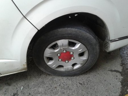 Selling 2nd Hand (Used) Toyota Hiace 2005 Van in Pagadian