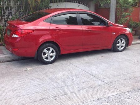 Selling Hyundai Accent 2012 at 70000 in Quezon City