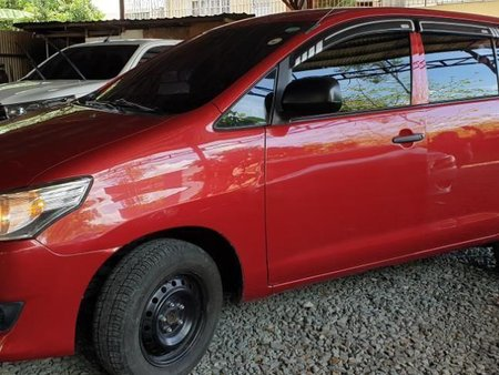 Selling Red Toyota Innova 2016 Manual Diesel at 20000 km in Quezon City