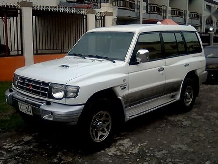 Mitsubishi Pajero 2001 Automatic Diesel for sale in Angeles