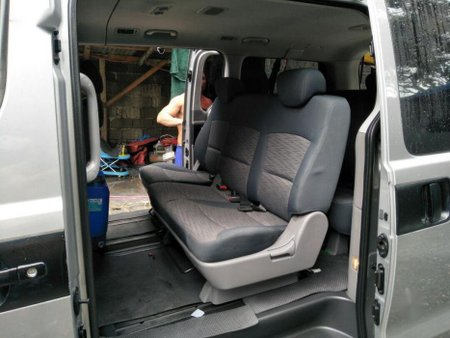 2nd Hand Hyundai Grand Starex 2015 for sale in Mandaluyong