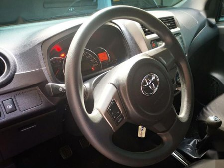 Selling 2nd Hand Toyota Wigo 2017 in Quezon City