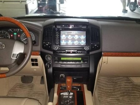 Toyota Land Cruiser 2012 Automatic Diesel for sale in Cebu City