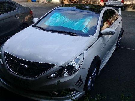 Selling 2nd Hand Hyundai Sonata 2011 Automatic Gasoline at 61000 km in Manila