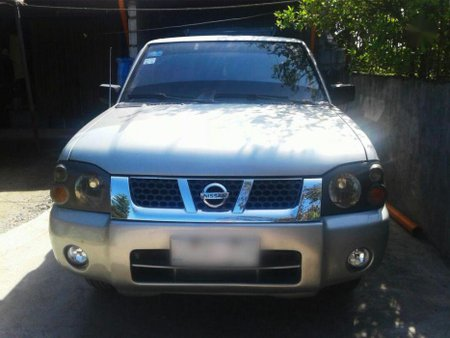 Selling Nissan Frontier 2003 Manual Diesel in Guiguinto
