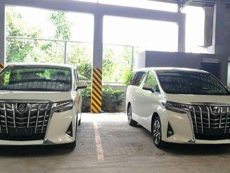 Selling Brand New Toyota Alphard 2019 in Makati