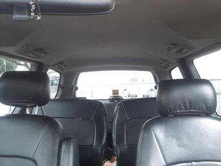 Selling Kia Carnival 2001 at 110000 km in Quezon City