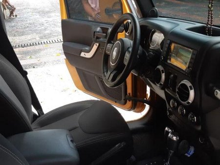 2nd Hand Jeep Rubicon 2014 Automatic Diesel for sale in Quezon City