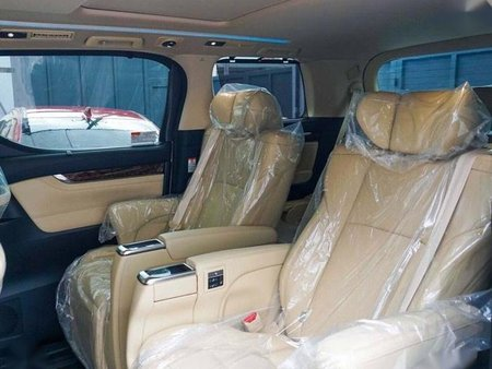 Selling Toyota Alphard 2019 Automatic Gasoline in Quezon City