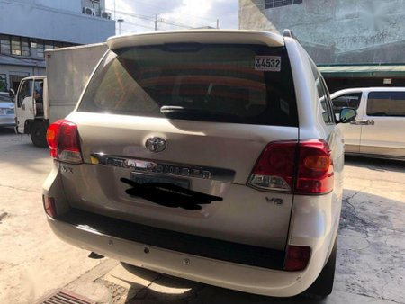 Selling Toyota Land Cruiser 2012 Automatic Diesel in Manila