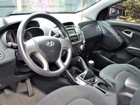 2nd Hand Hyundai Tucson 2011 Manual Gasoline for sale in Manila