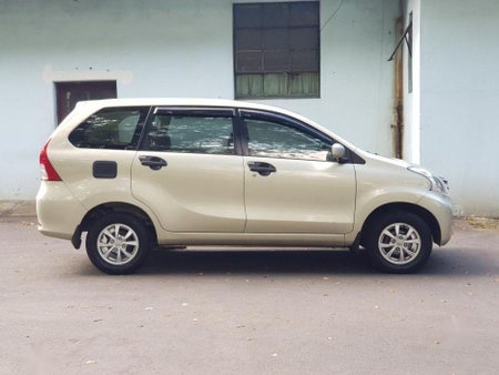 Selling Toyota Avanza 2014 Automatic Gasoline in Quezon City