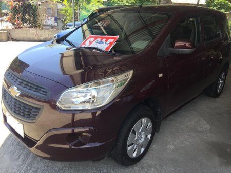 Red Chevrolet Spin 2016 for sale in Manual