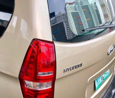 Selling 2nd Hand Hyundai Grand Starex 2010 in Quezon City