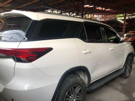 White Toyota Fortuner 2017 for sale in Quezon City