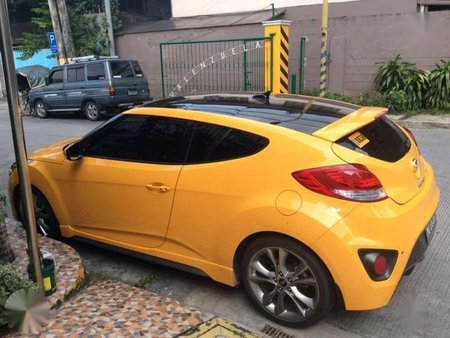 Selling Hyundai Veloster 2017 Automatic Gasoline in Makati