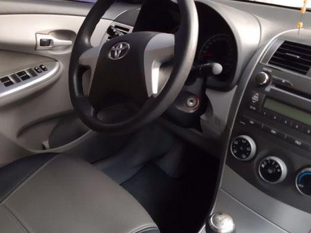 Sell 2nd Hand 2011 Toyota Corolla Altis at 100000 km in Valenzuela