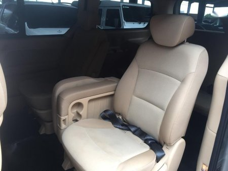 2nd Hand Hyundai Starex 2010 for sale in Pasig