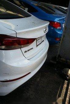 Selling White Hyundai Elantra 2016 at 14000 km in Makati