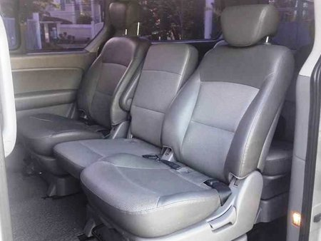 White 2010 Hyundai Grand Starex Automatic Diesel for sale
