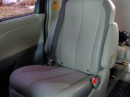 2014 Toyota Sienna for sale in Makati