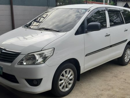 Sell White 2012 Toyota Innova Manual Diesel in Quezon City