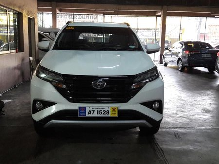 White 2018 Toyota Rush Automatic Gasoline for sale in Makati