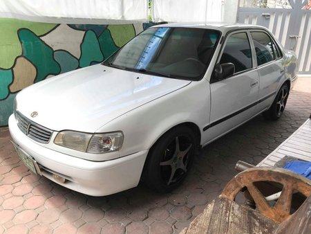 Selling Used Toyota Corolla 1998 Sedan in Tarlac City