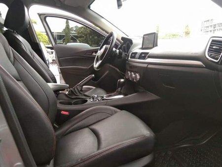 Selling Mazda 3 2015 Sedan Automatic Gasoline