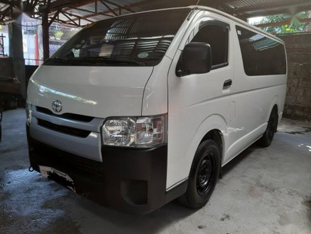 Selling White Toyota Hiace 2019 in Quezon City