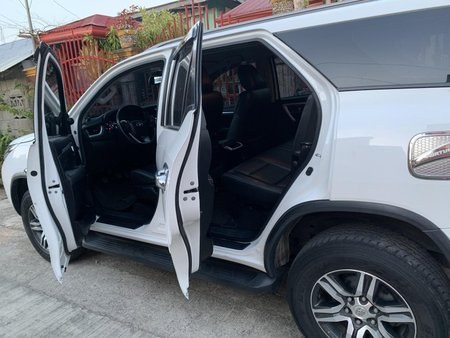 Selling Used Toyota Fortuner 2017 at 48000 km