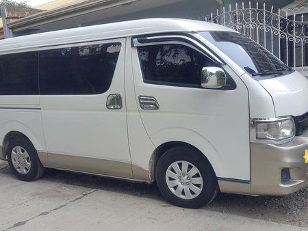 Selling Used Toyota Hiace 2012 Manual at 120000 km