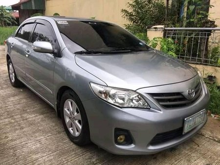 Selling Used Toyota Corolla Altis 2011 Gasoline Manual