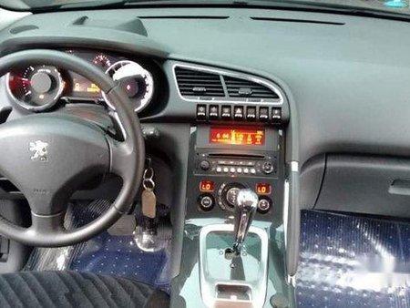 Black Peugeot 5008 2014 at 35000 km for sale