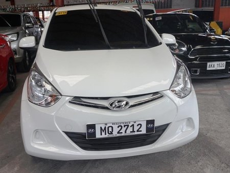 Sell White 2016 Hyundai Eon Hatchback in Manila